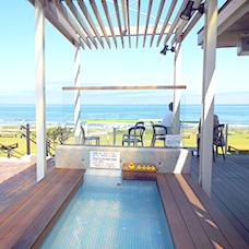 砂浜まで歩いて行けるレストハウス