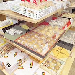 旬の名産お菓子コーナー